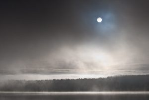 A00_3874-sun-and-mist-fog-maridalsvannet-norway